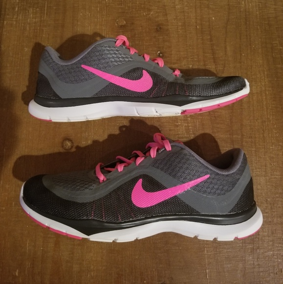 Nike Flex Trainer 6 women size 6.5 sneaker. M 5ae69472c9fcdf0ee8e543be d3404600c